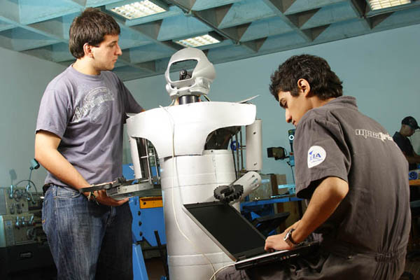 ingenieria-mecatronica-ingenieros-peruanos